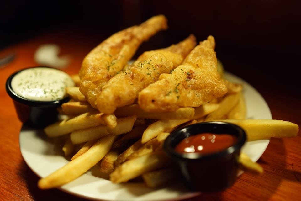 Fish and chips con salse