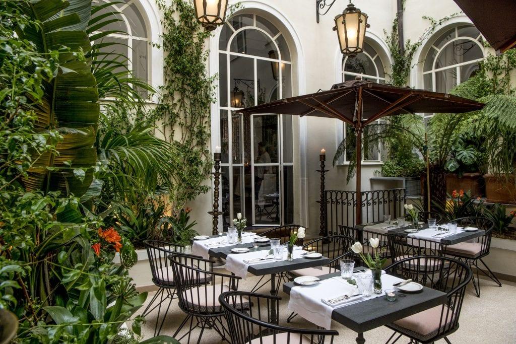 Il patio d Adelaide dell'Hotel Vilòn di Roma