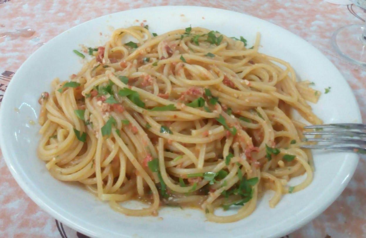 Spaghetti con i ricci di mare: il piatto