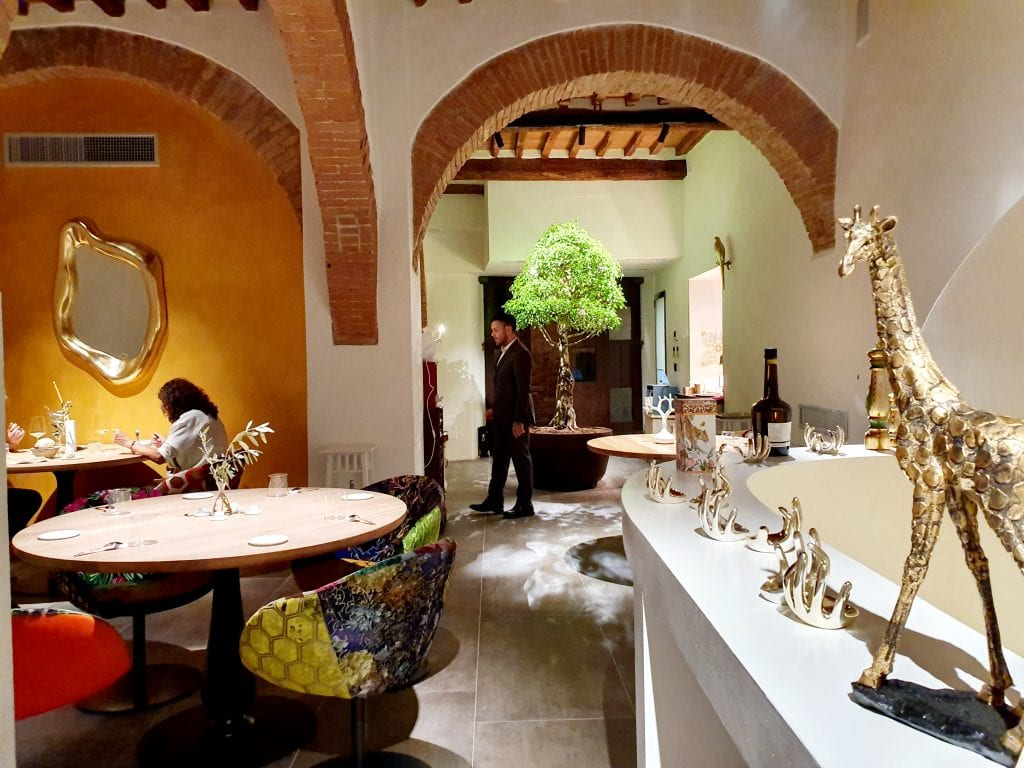 Gli interni di Linfa a San Gimignano ristorante