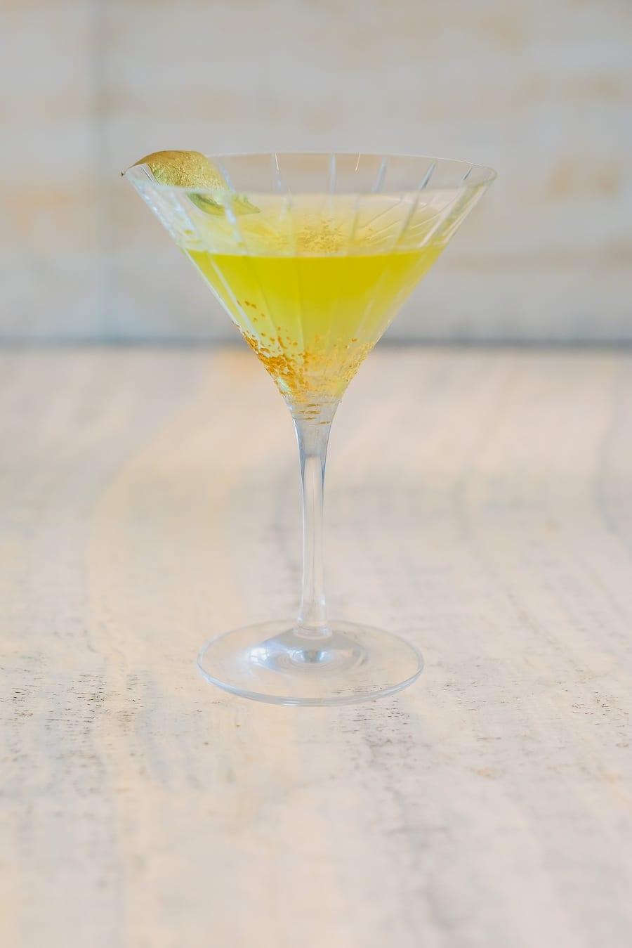 Il re: cocktail in coppa Martini dedicato a Giorgio Armani al Bamboo Bar