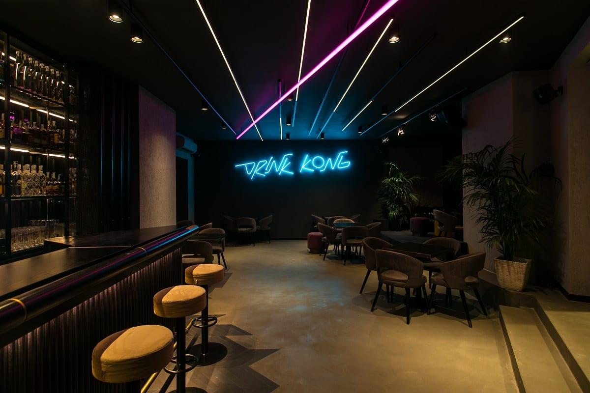 Il main bar di Drink Kong