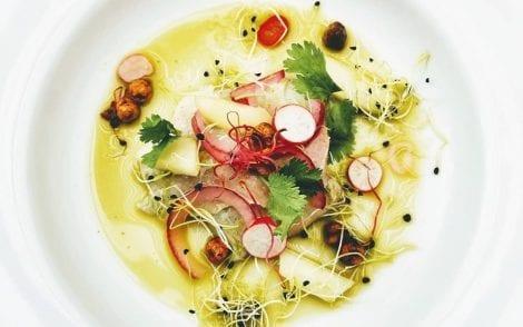 For the love of food: un piatto di ceviche con ravanelli, coriandolo e cipolla