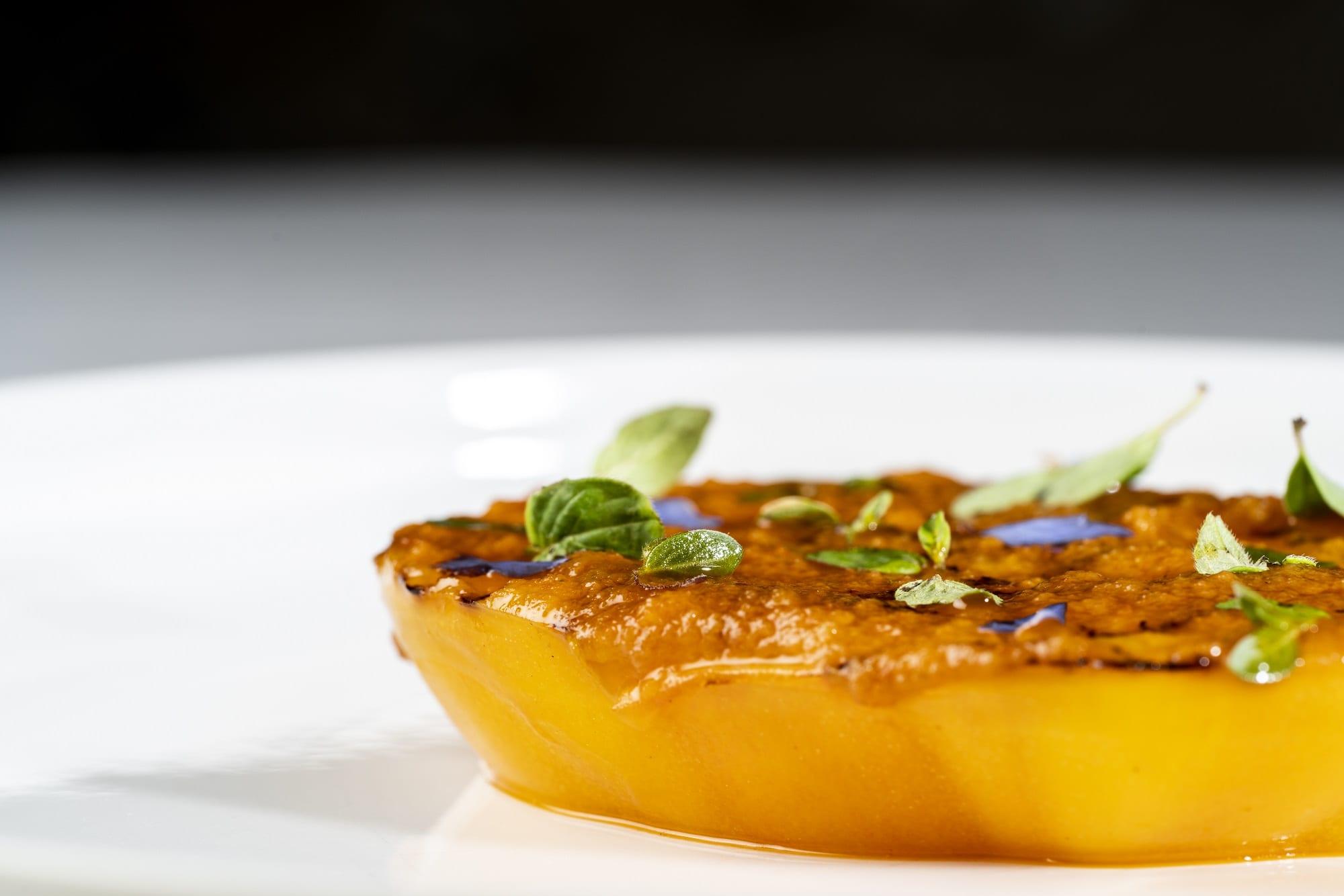 Paiard di cuor di bue, pesto di olive e colatura di alici di Andrea Leali di Casa Leali