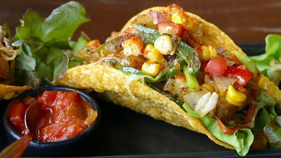 Tacos con salsa