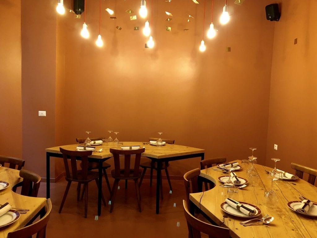 la sala di Wonton Milano regno dell'anatra pechinese