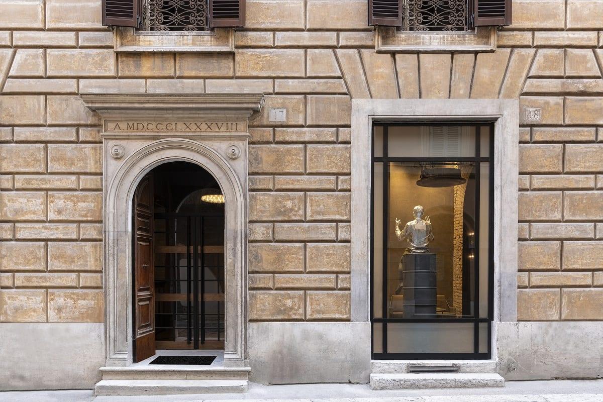 La facciata dell'hotel Chapter a Roma