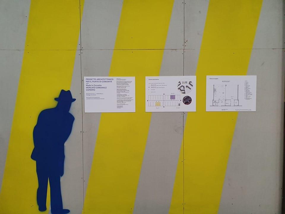 Il cartello di lavori in corso al mercato Corvetto
