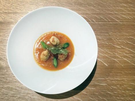 Fishcake e minestrone ricetta. F. Ferrari . Tratta dal libro: Cucina a impatto zero. foto Archivio Giunti/Manuela Vanni