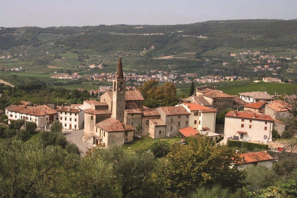 Il paese di Romagnano e la campagna veneta