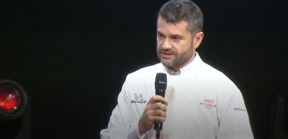 Enrico Bartolini sul palco della Michelin 2020