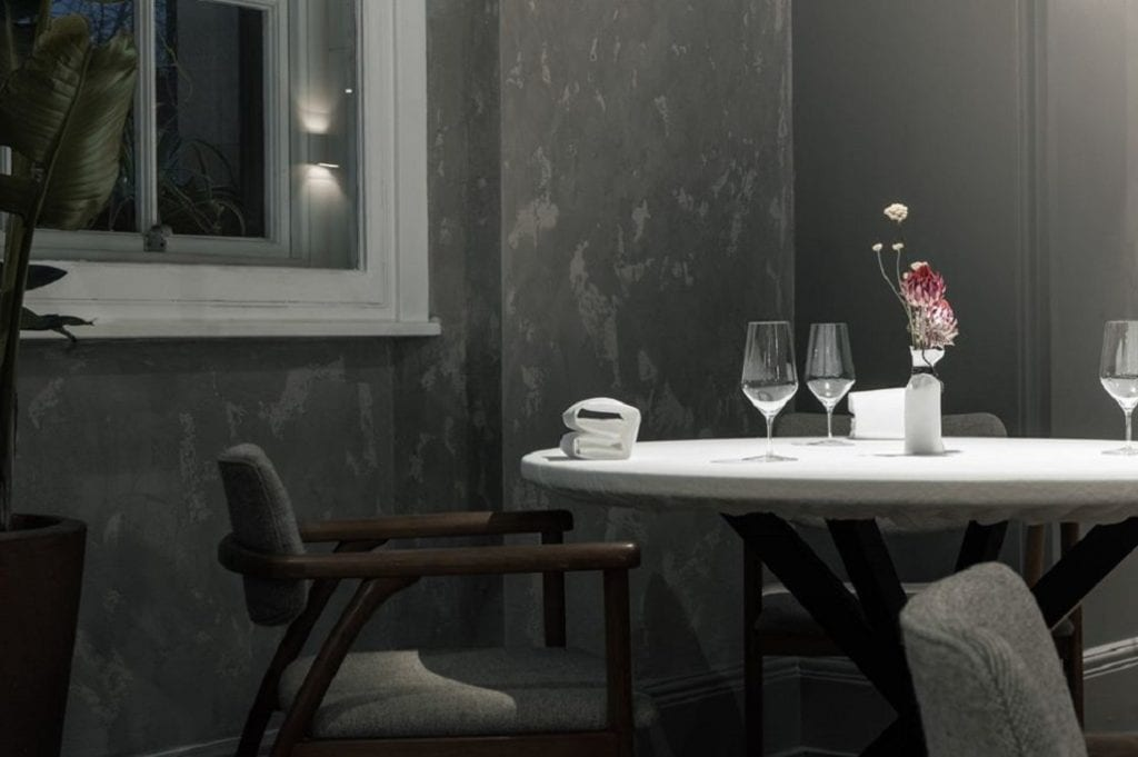 Un tavolo di Da terra