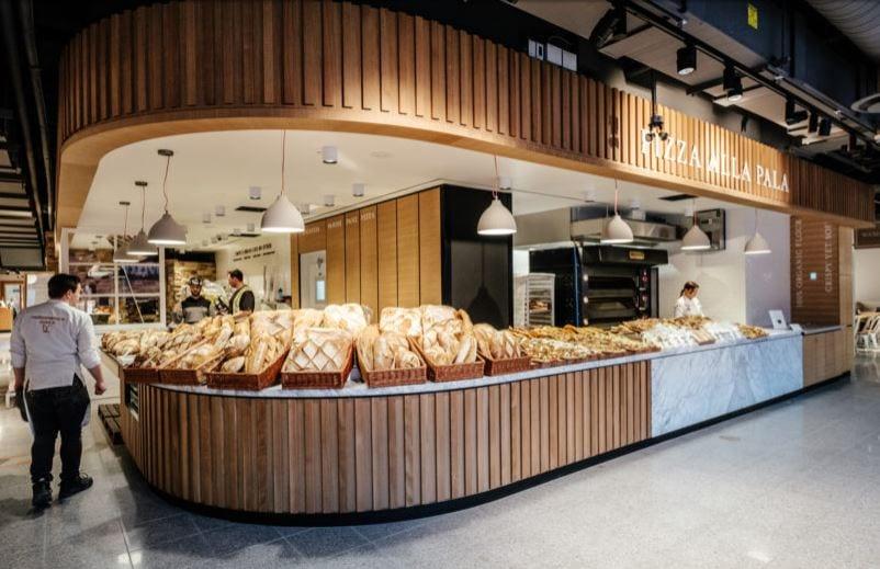 Il banco del pane e della pizza di Eataly Toronto