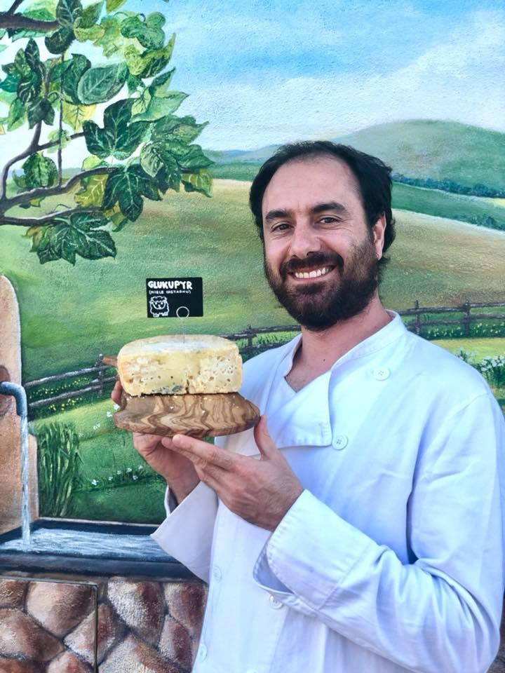 Andrea Cillo con formaggio Glukupyr