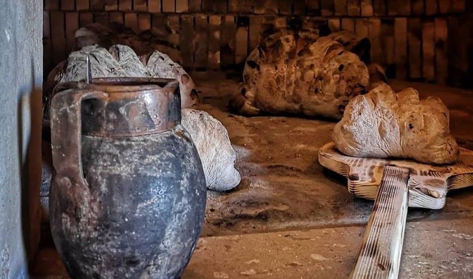Un antico forno per cuocere il pane a Matera