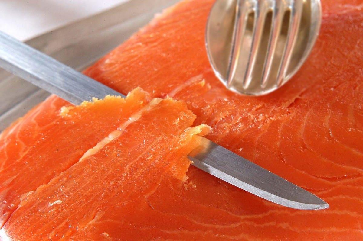salmone affumicato taglio