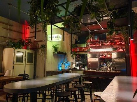 La sala di Carico, col banco del bar