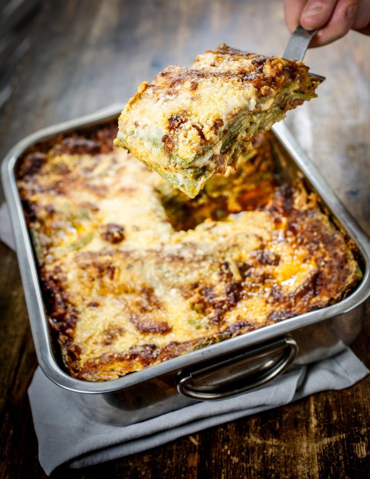 Lasagna bolognese con ragù e spinaci