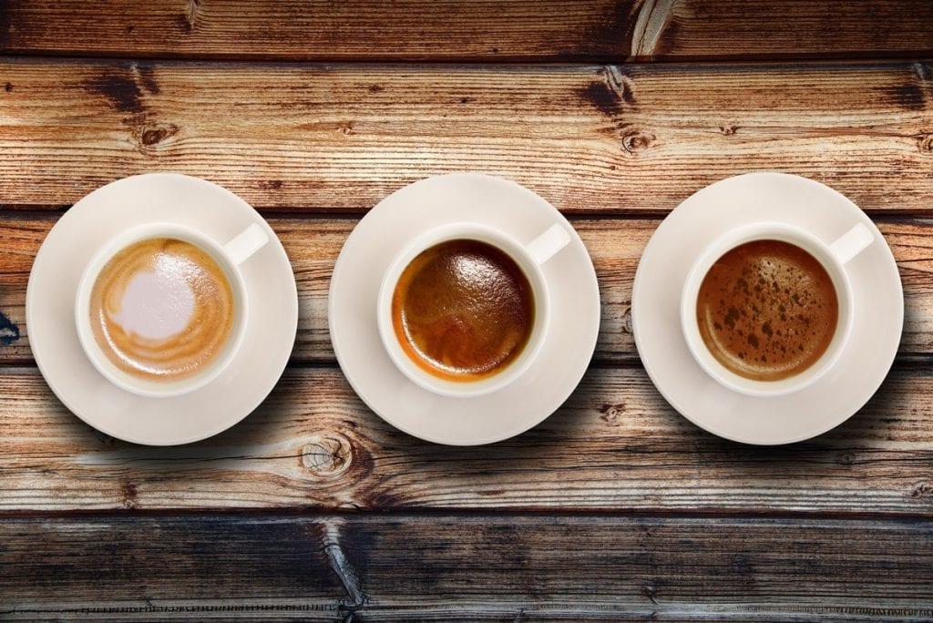 tre tazzine di caffè espresso