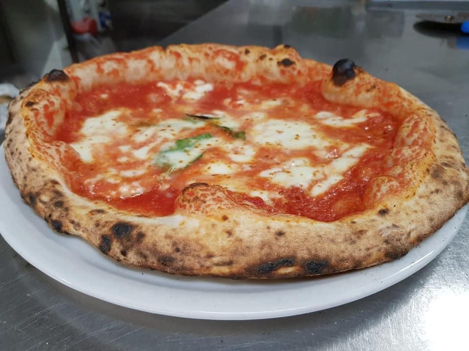 pizza Margherita, Antica Cantina Forentum