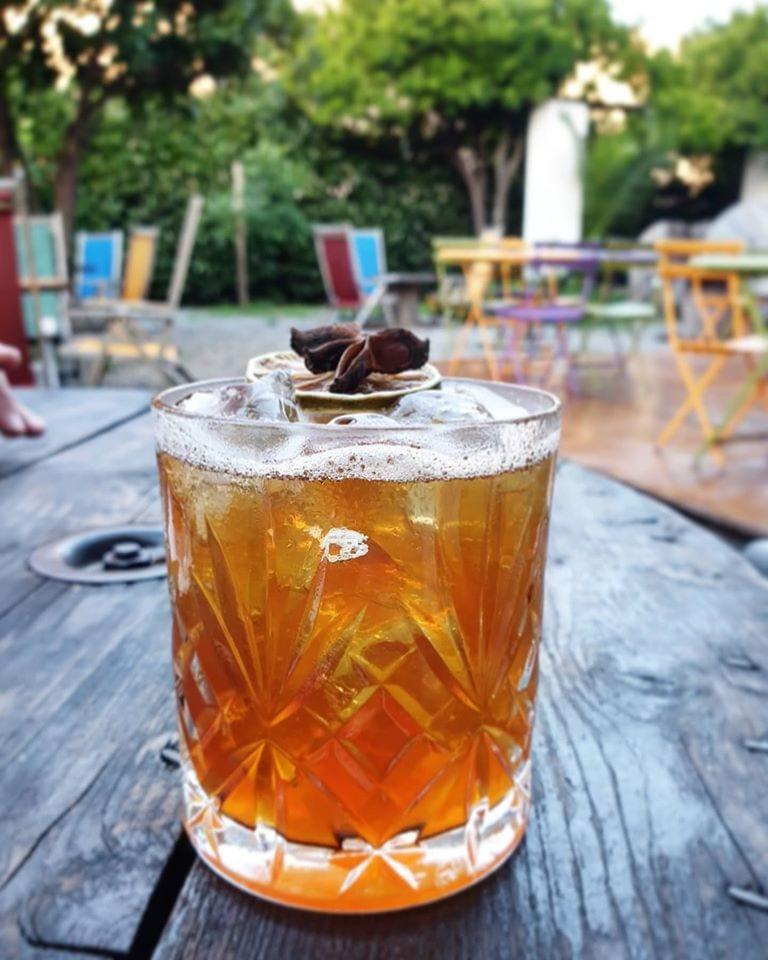 Un cocktail al Giardino di Lipari