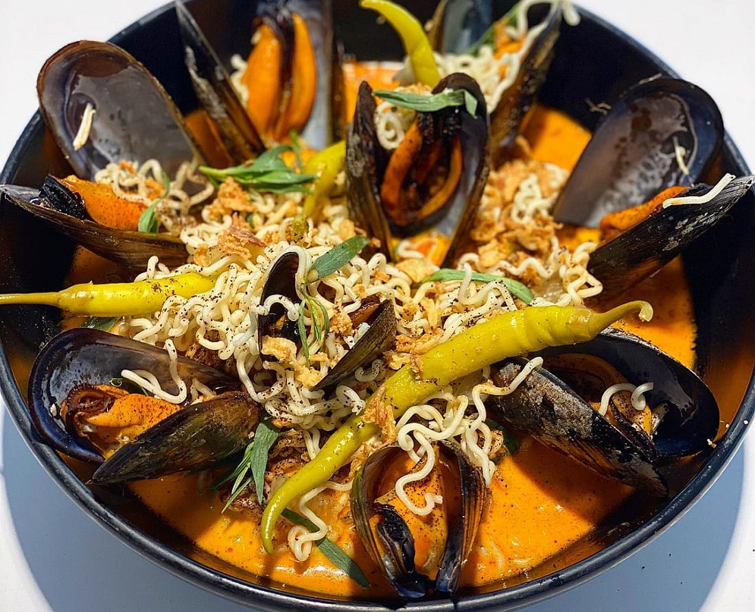 Zuppa di noodle e cozze di GoXo