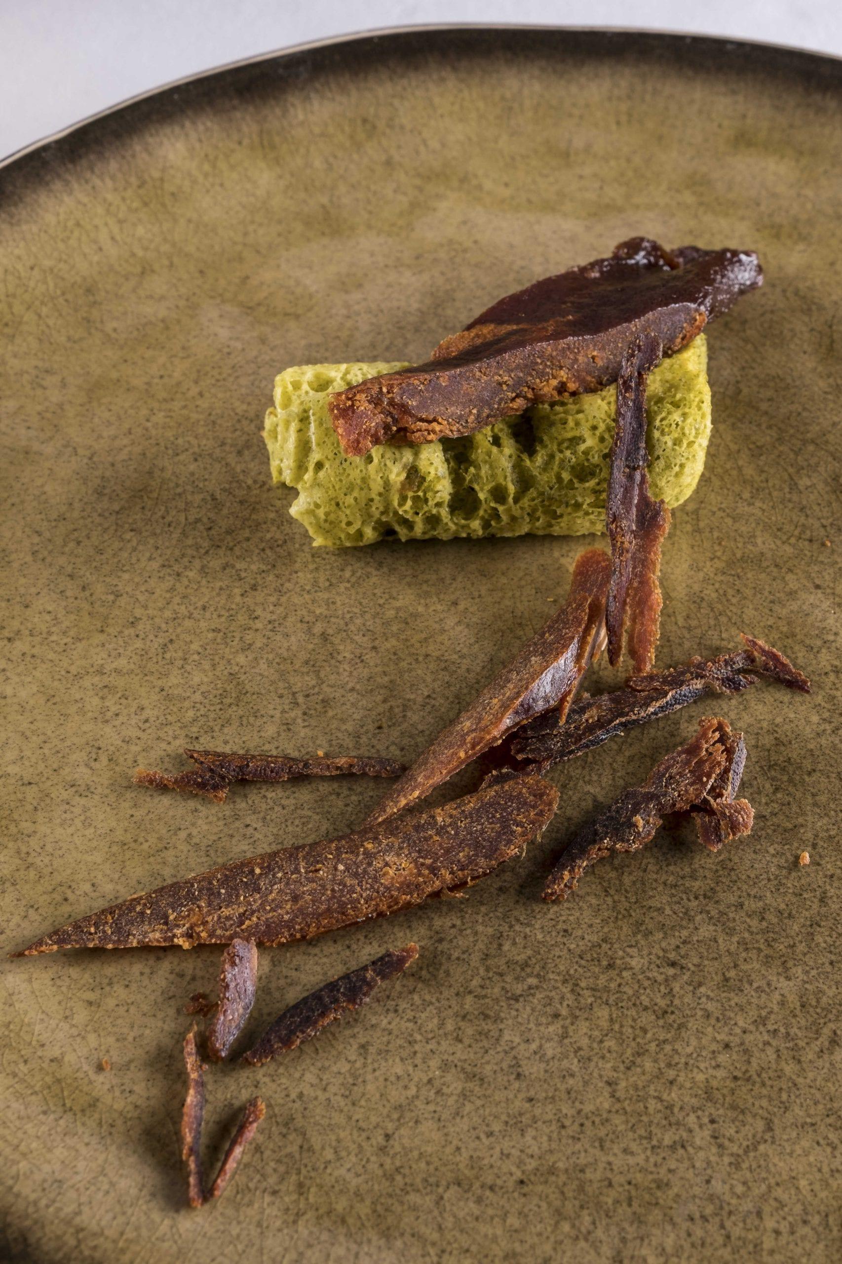 Marshmallow di alghe con bottarga di alici