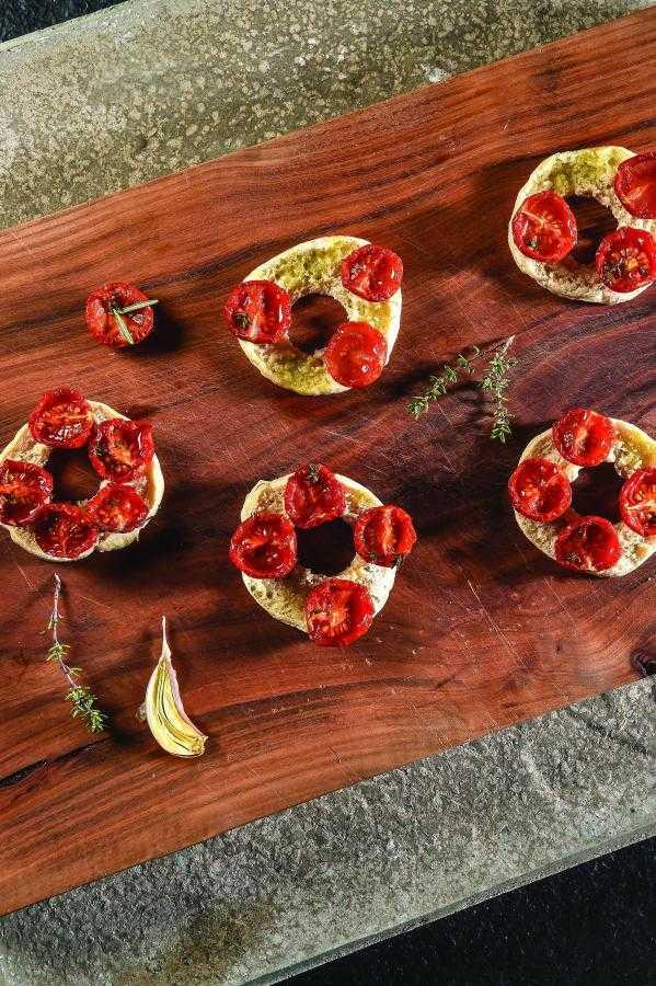Tomato frisella