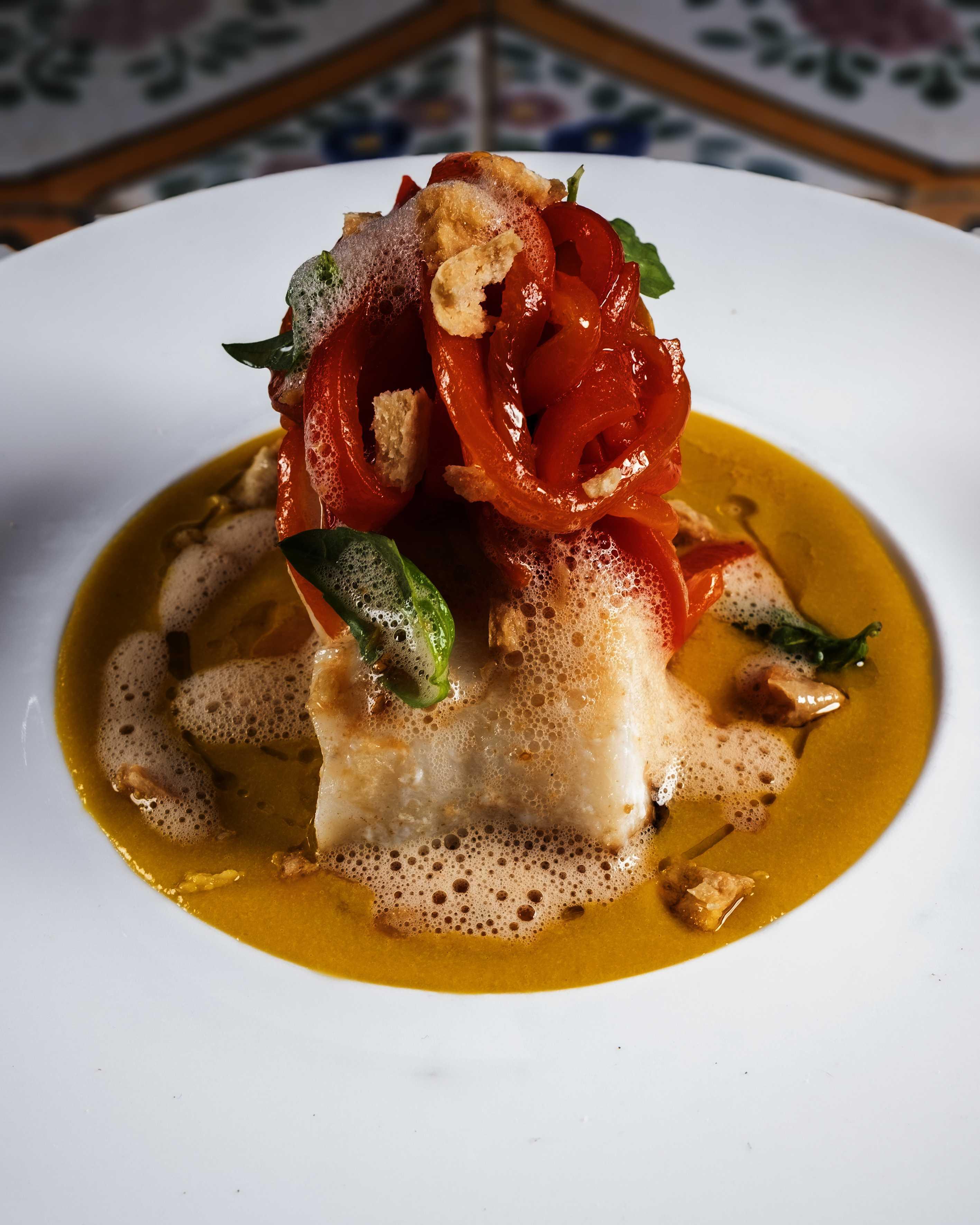 Baccalà con peperoni arrosto e tarallo napoletano