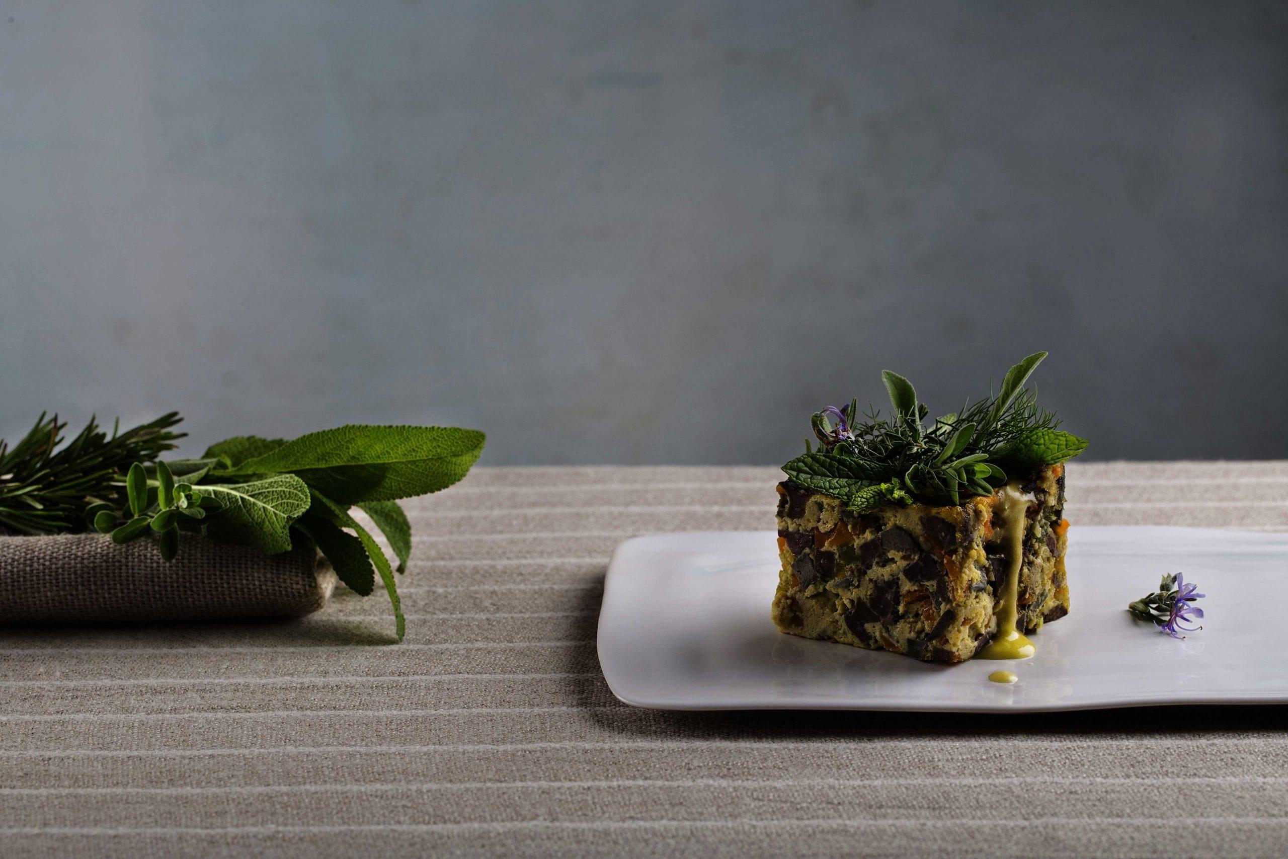 Coratella con le uova, erbe aromatiche e limone