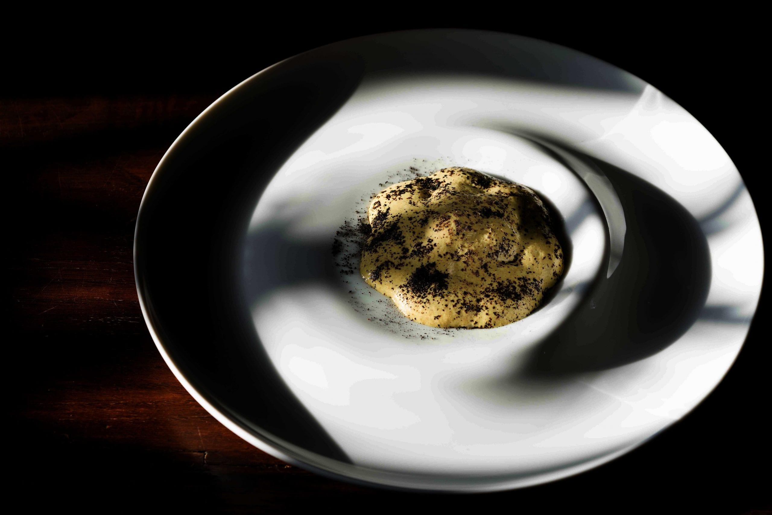 Spuma di pistacchio, ostrica, cipolla sotto aceto di Nino Rossi