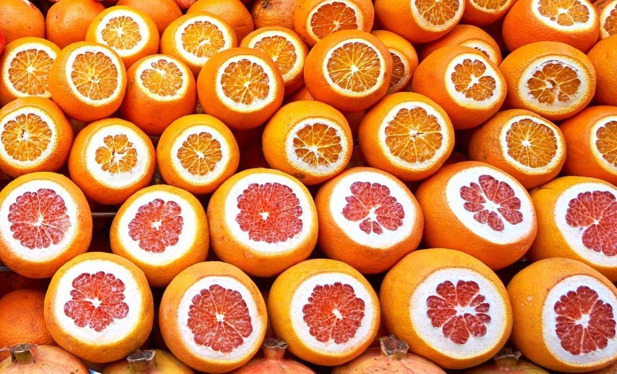 Pompelmo e arancia a confronto