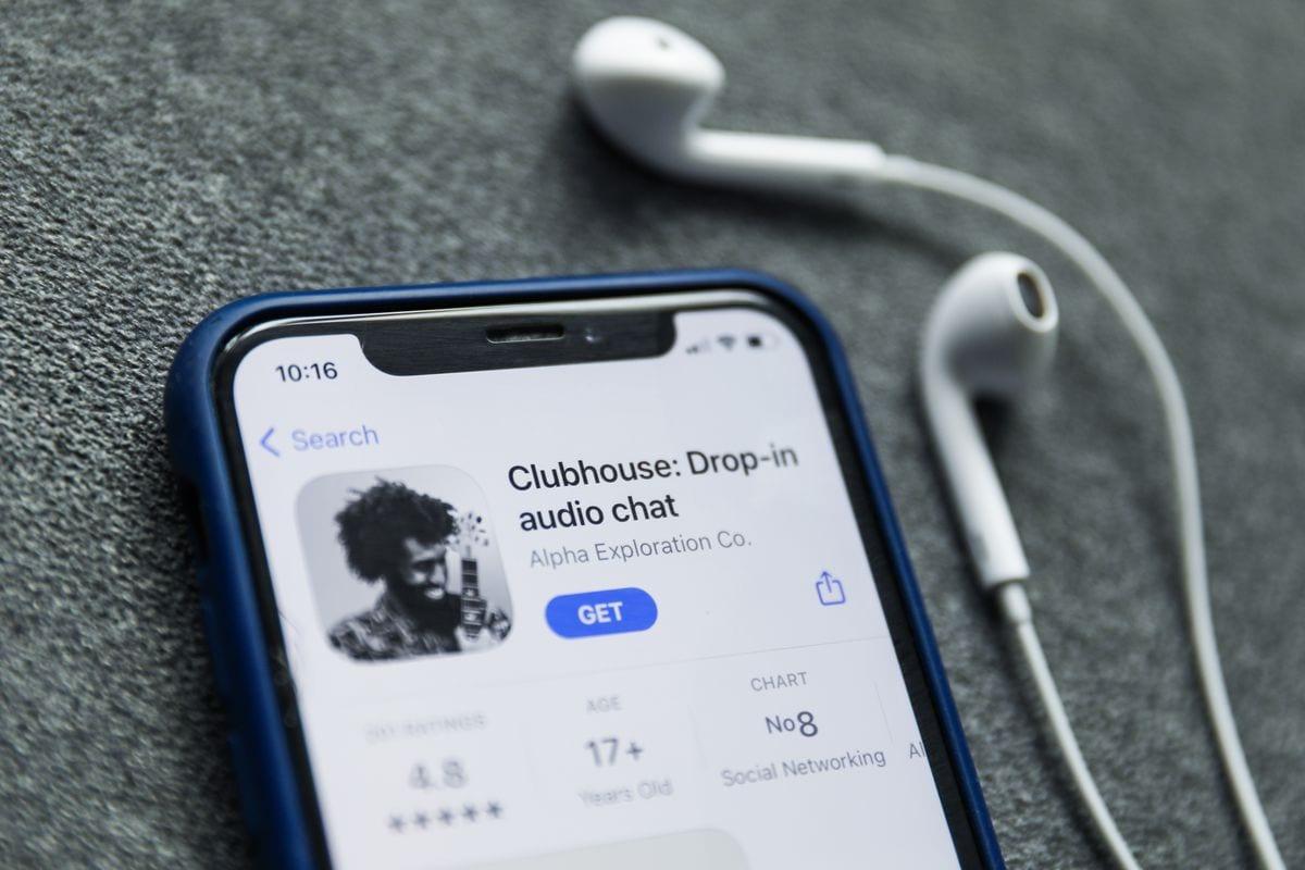 Telefono con Clubhouse