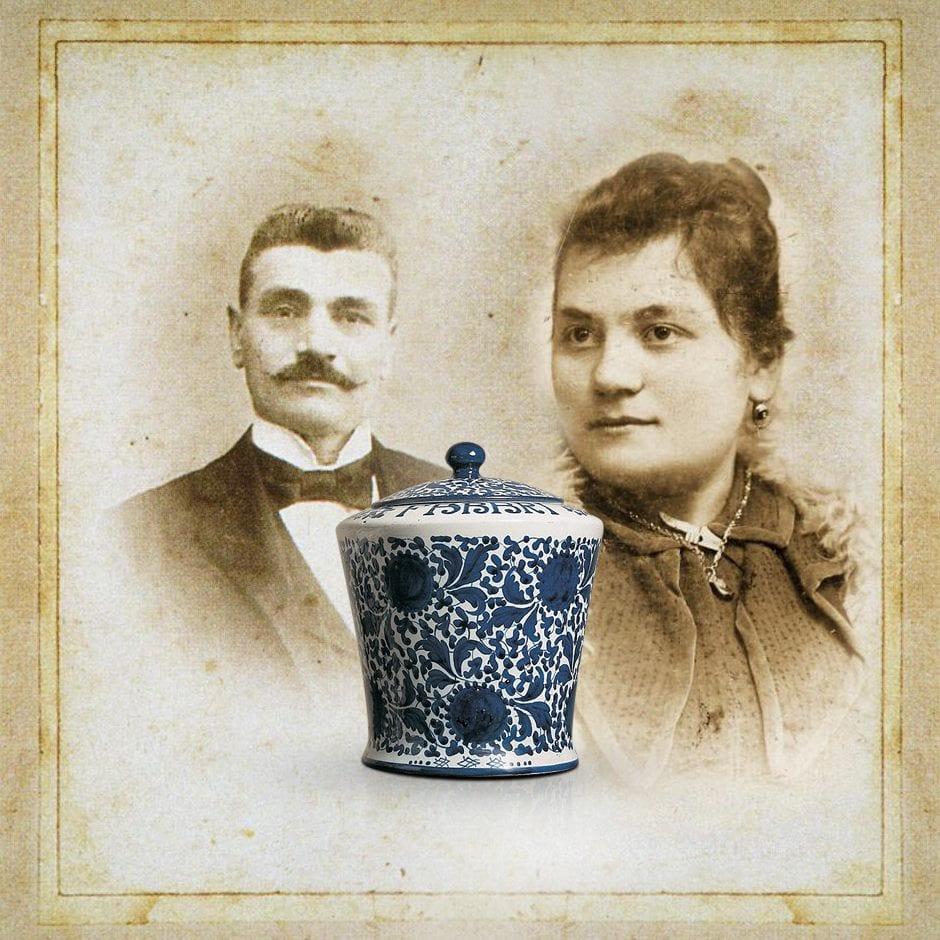 Gennaro Fabbri e Rachele con il disegno del vaso
