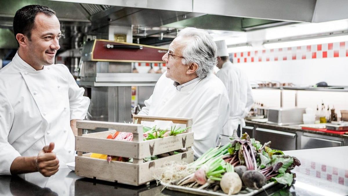 Alain Ducasse e Romain Meder in cucina