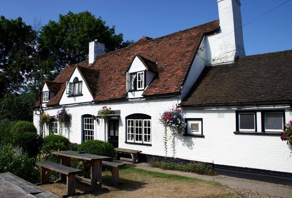 Scopri la storia dei pub inglesi