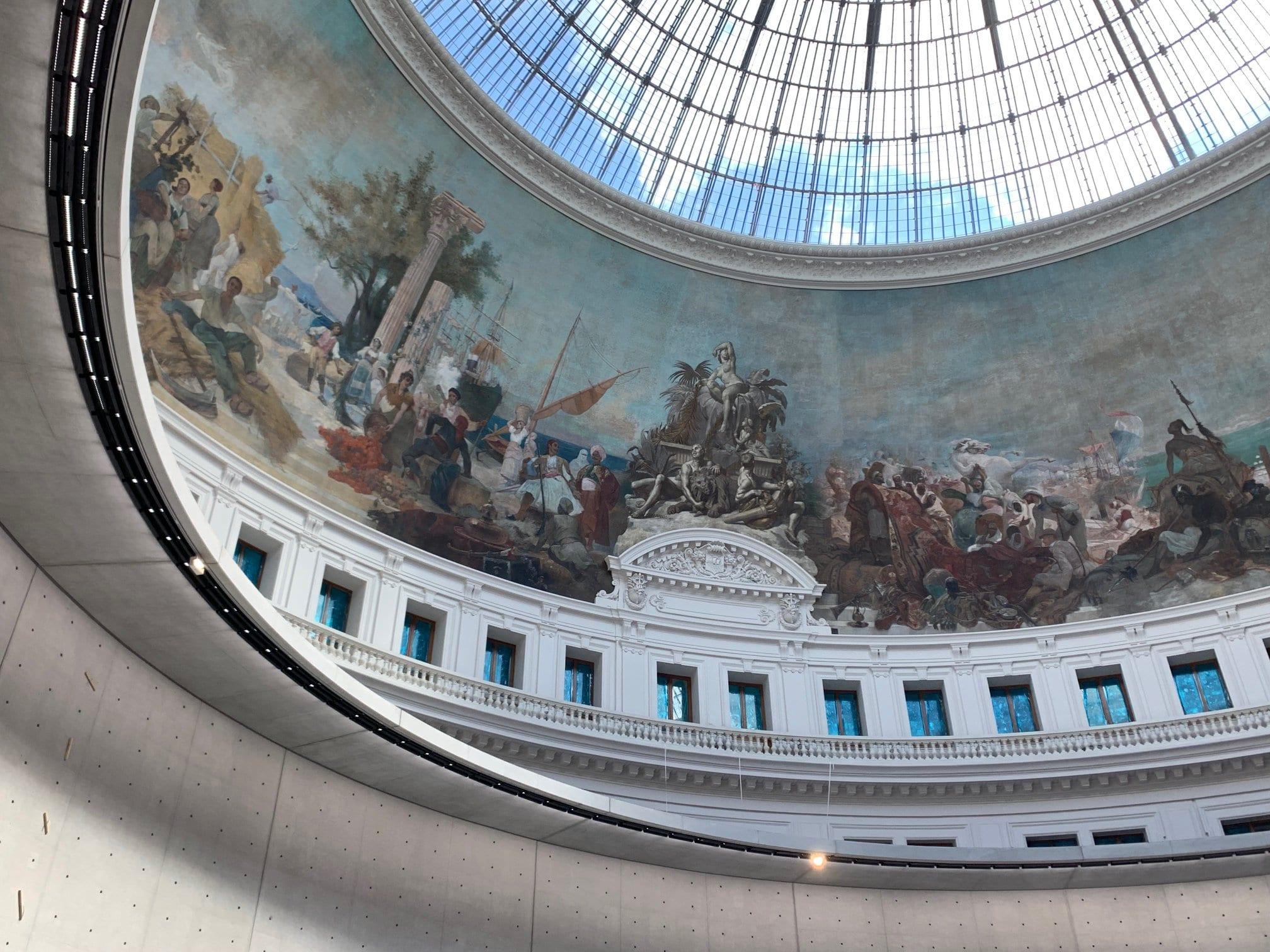 La cupola affrescata della Bourse de Commerce