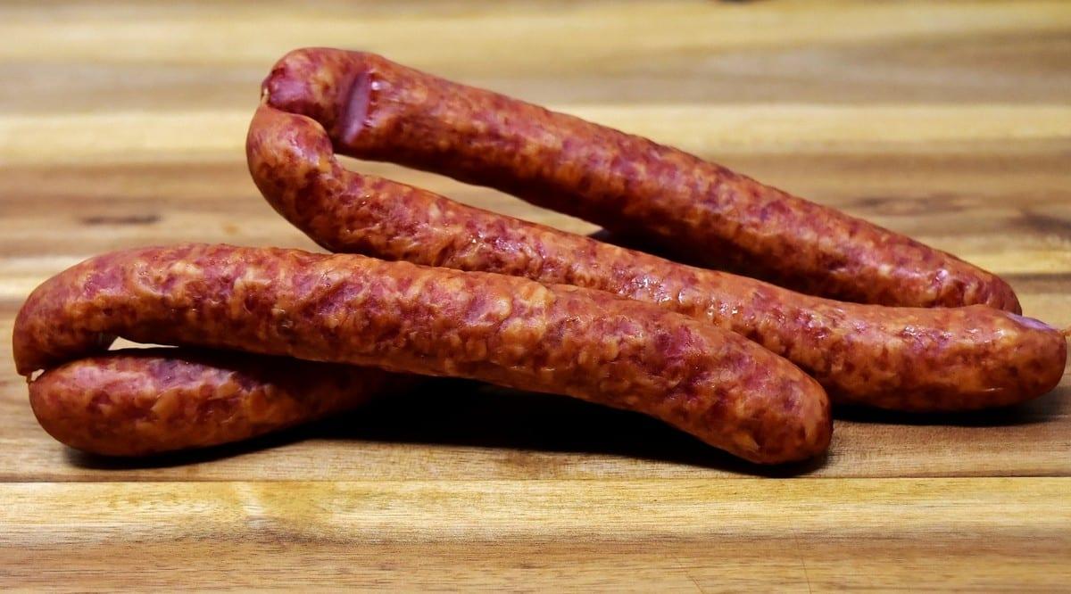 Scopri storia, ricette e varianti della salsiccia lucana