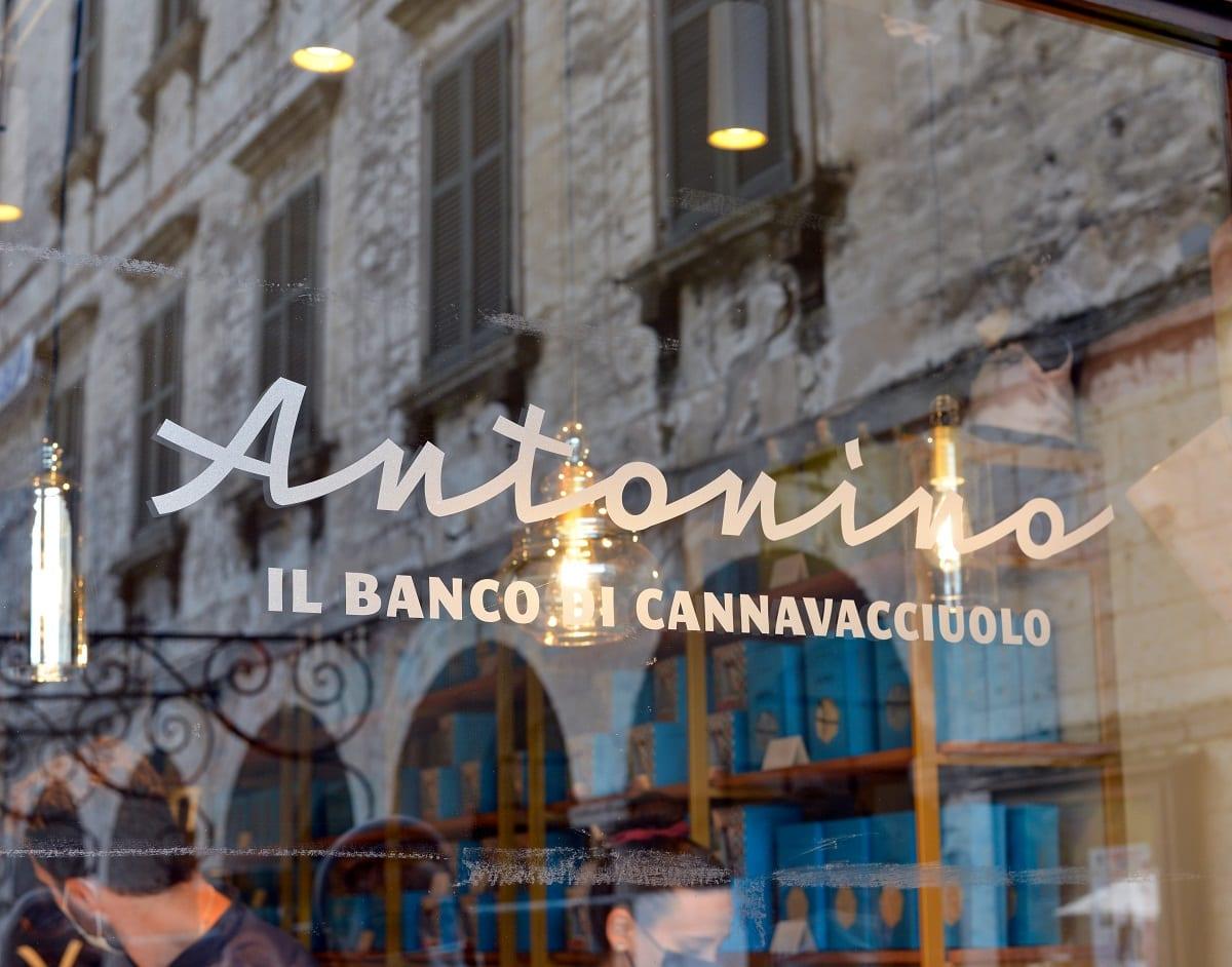 La vetrina di Antonino