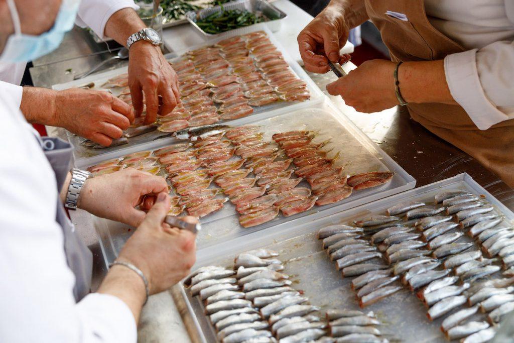 preparazione del pesce. Spessore 2021. Foto Andrea Di Lorenzo