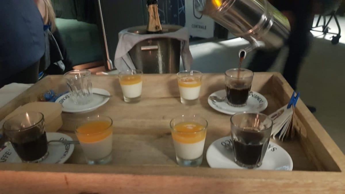Servizio del caffè da QB