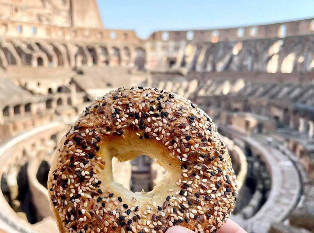 Scopri la storia di Beehive Bagels a Roma