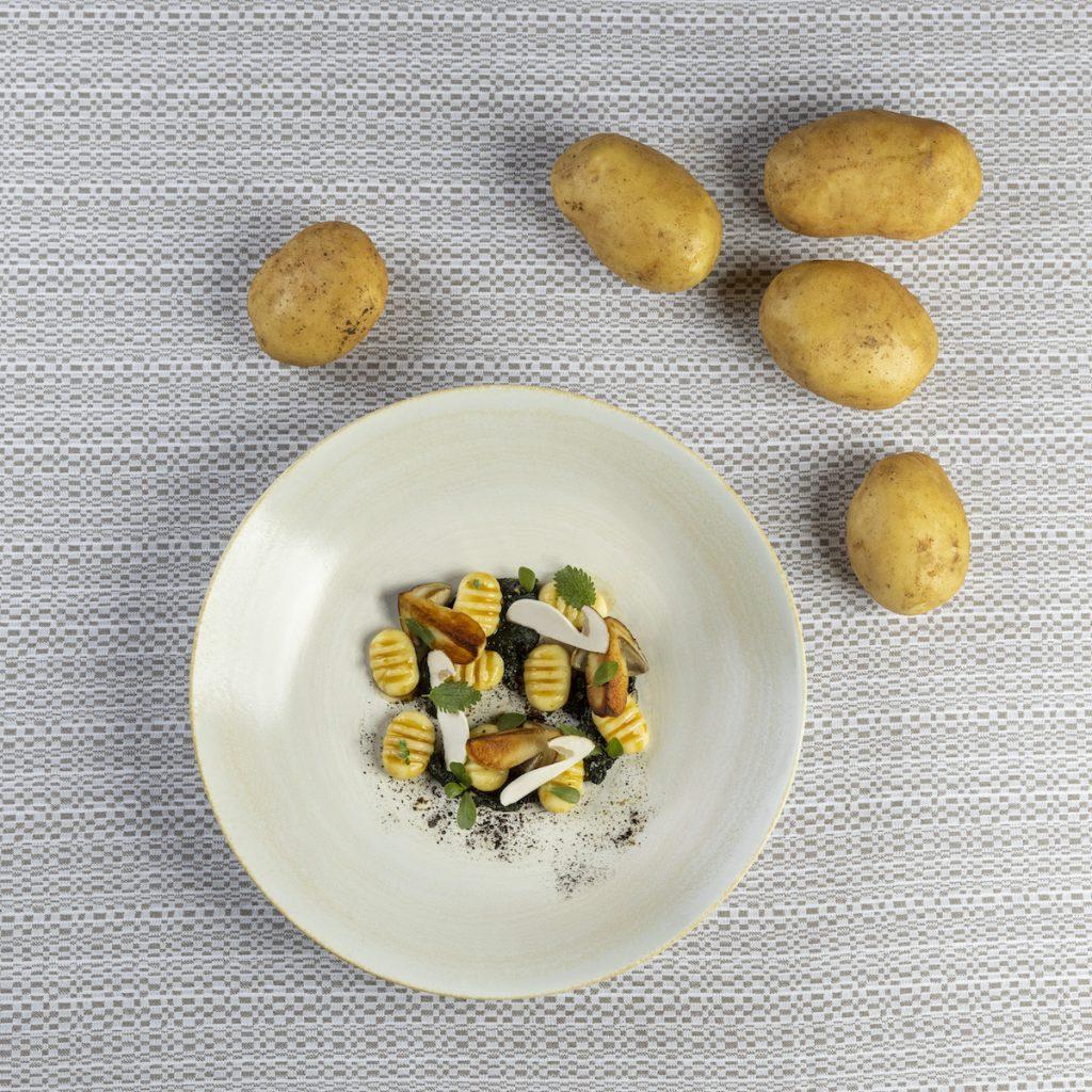 Gnocchi, funghi porcini e borraggine Martteo Lorenzini Osteria di Passignano