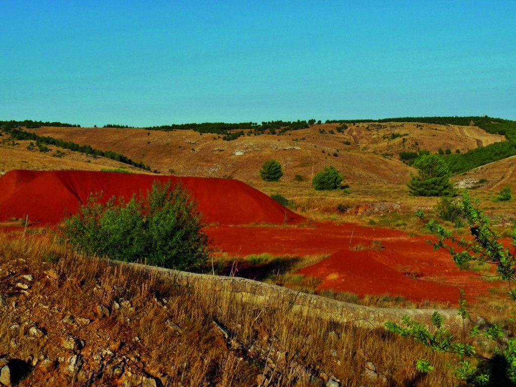 Miniere di bauxite_ph Giuseppe Carlucci