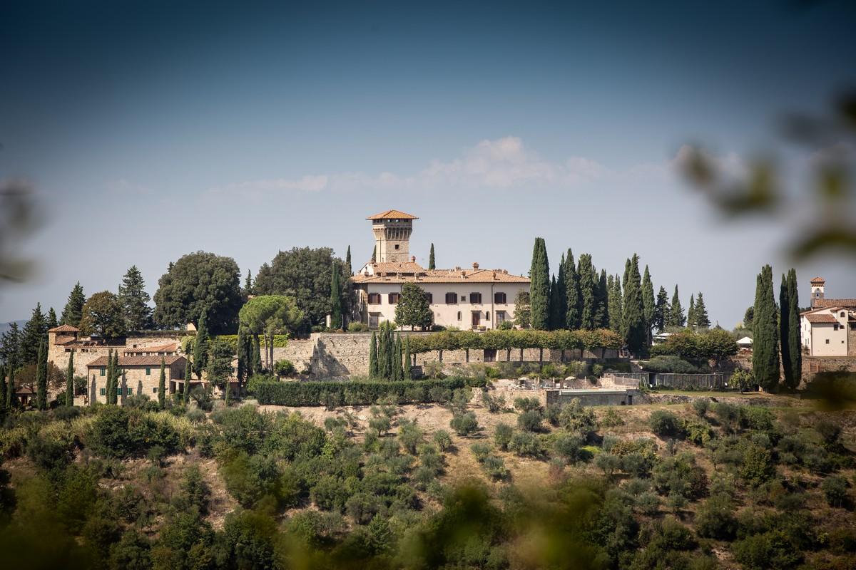 Castello Vicchiomaggio. Storia di famiglia nel cuore del Chianti