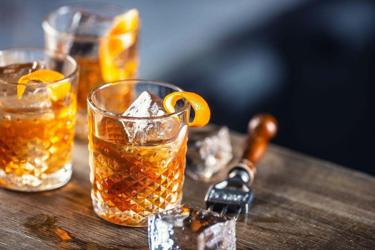 Old Fashioned fatto con il rum