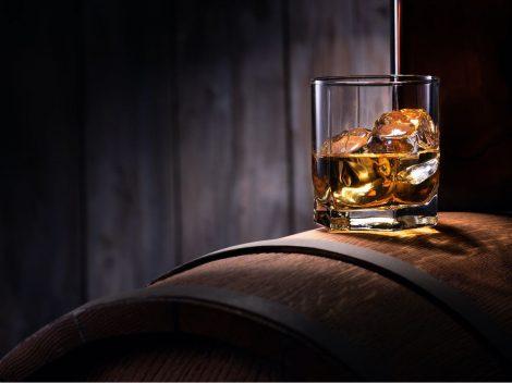 Rum: quale scegliere e come berlo? Rispondono gli esperti
