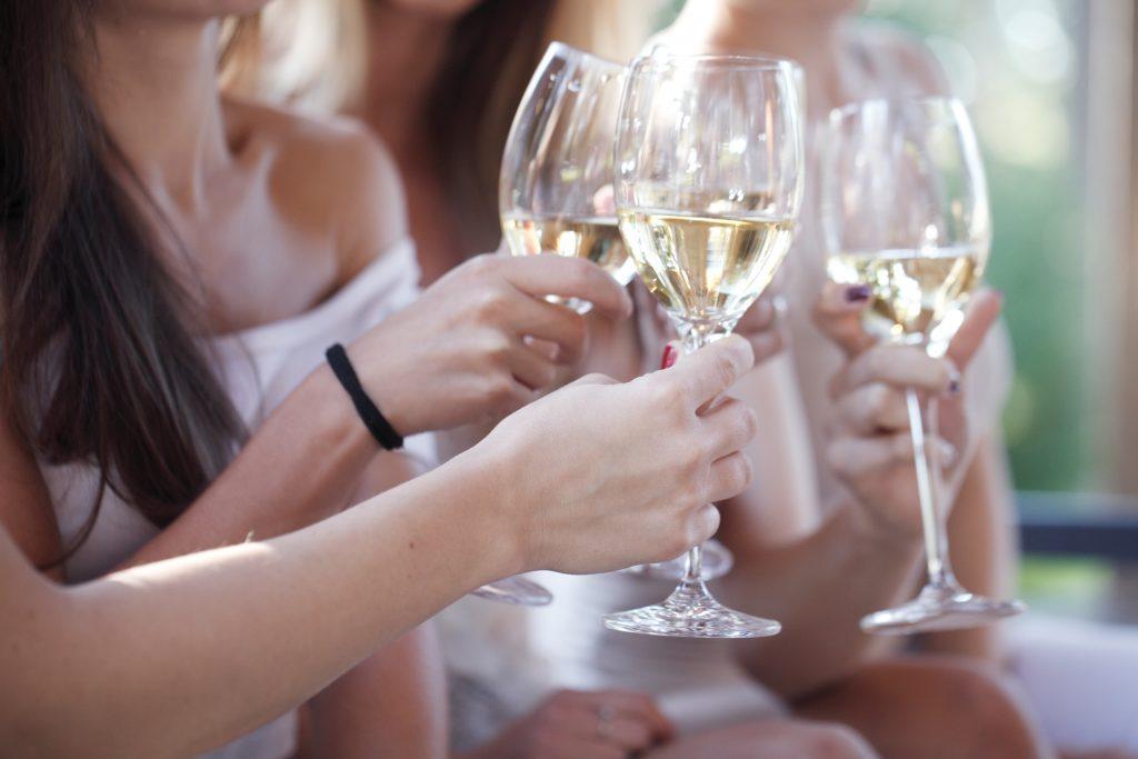 Scopri i consumi di vino tra le donne
