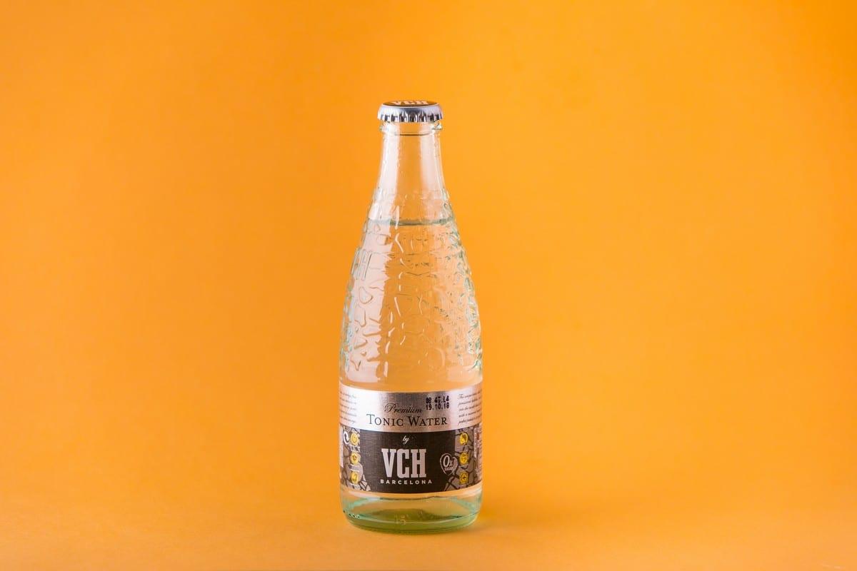Acqua tonica VHC. Foto di Alberto Blasetti