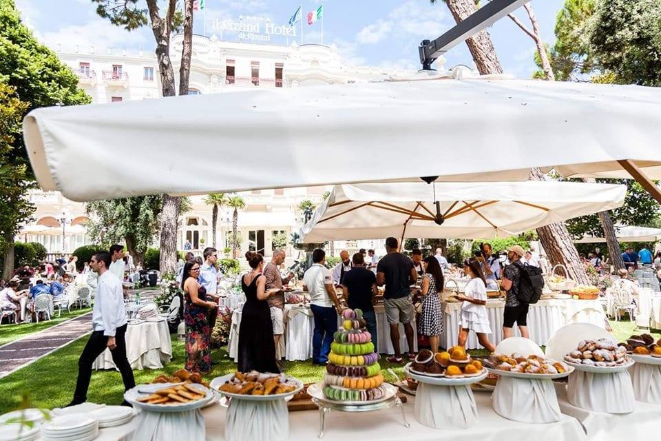 Colazione sull'erba al Grand Hotel Rimini per Al Meni